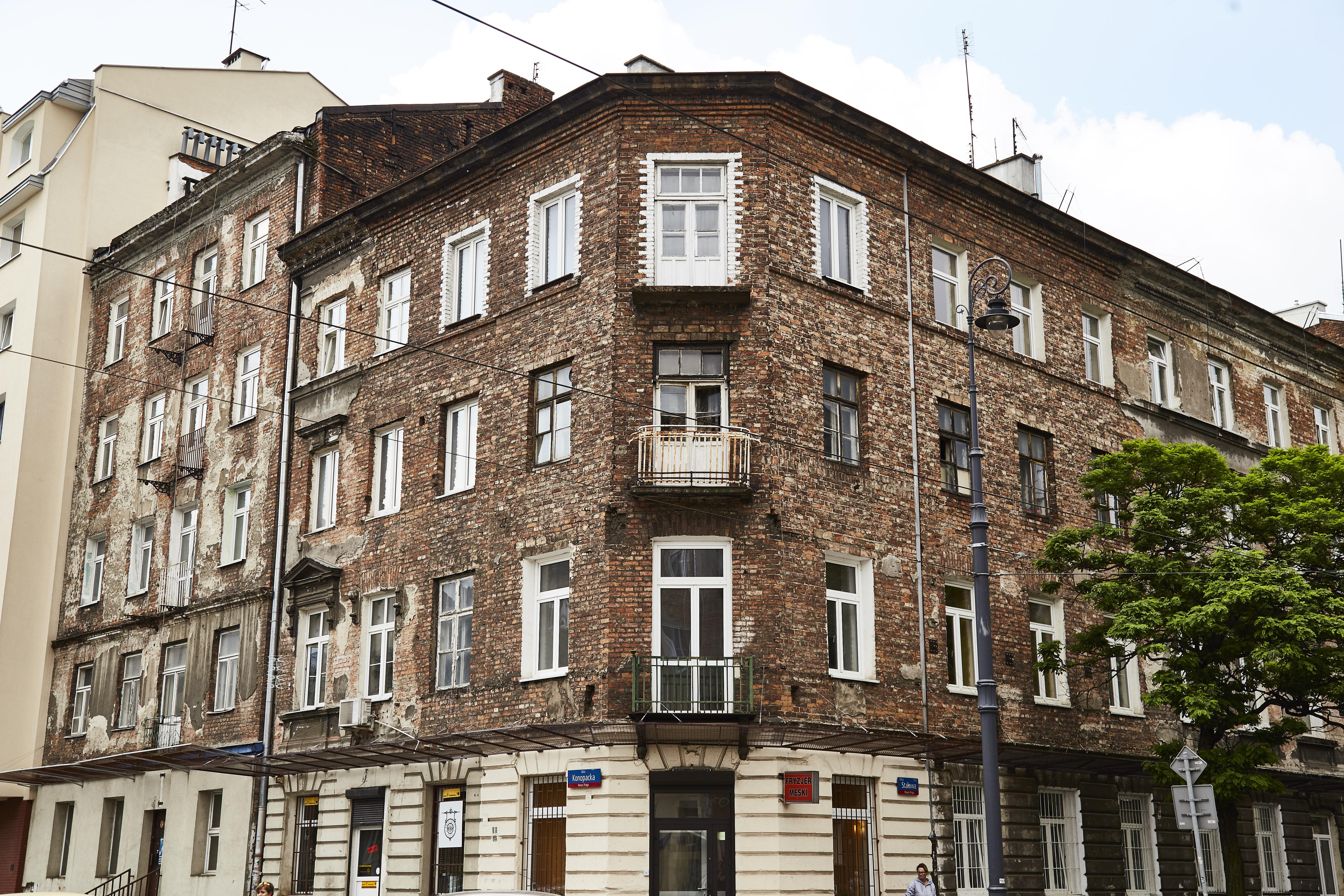Ulica Stalowa na dużym i małym ekranie